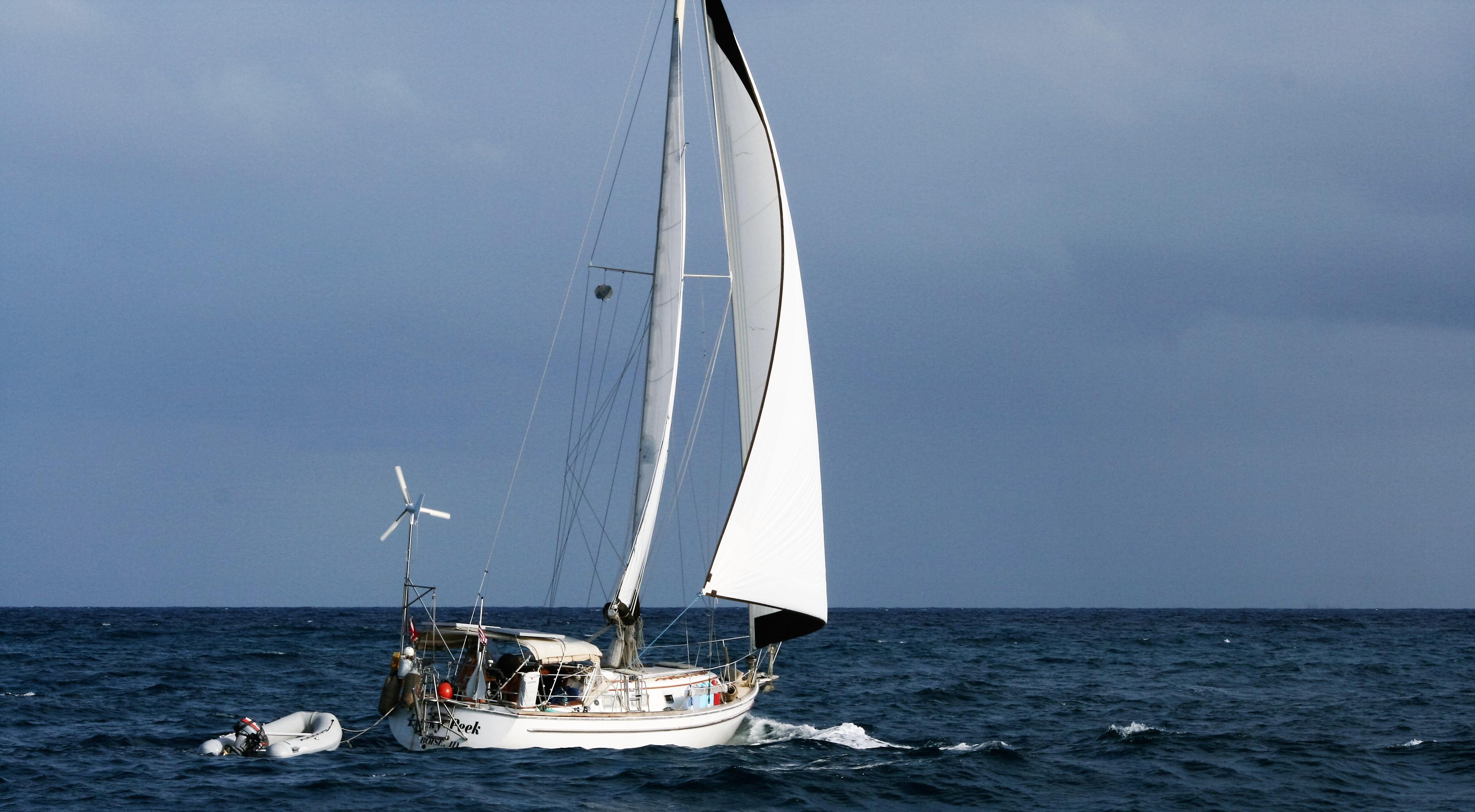 LP Reaching off Vieques